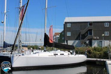 2005 J Boats J 109