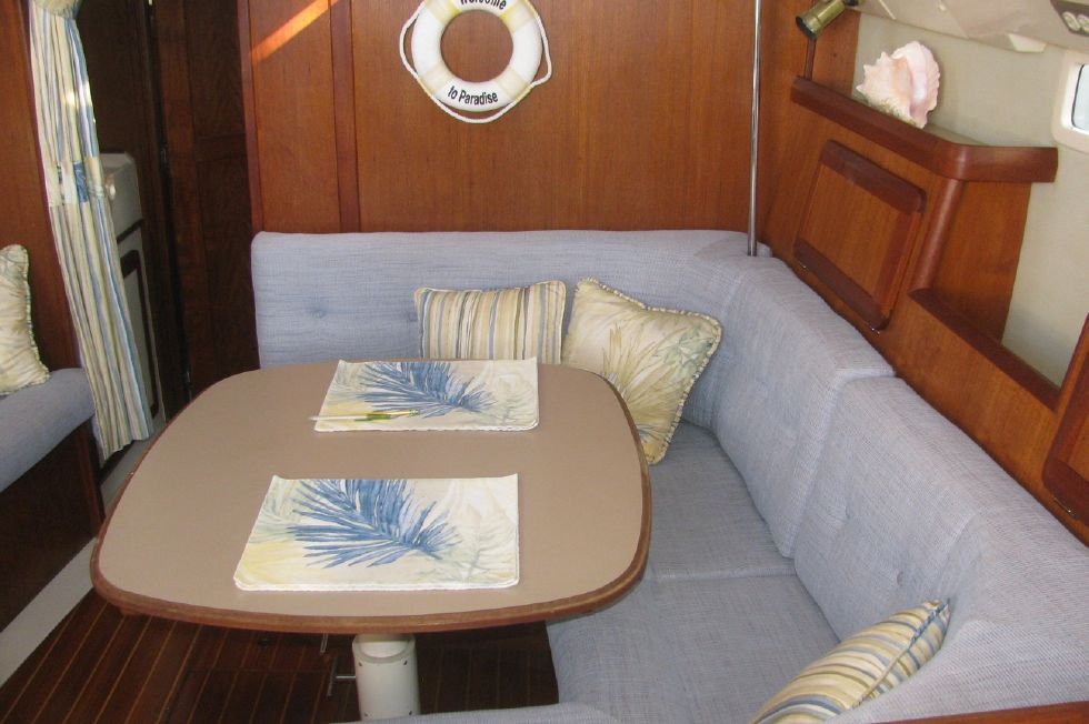 1993 Hunter 33 5 33 Boats for Sale - Edwards Yacht Sales