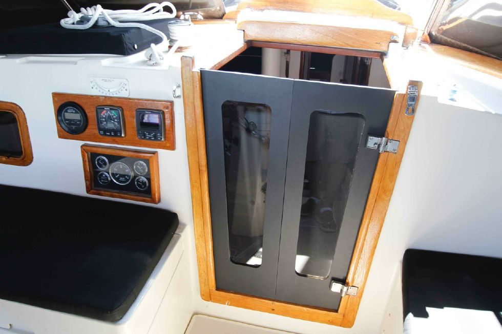 1977 CSY 44 Center Cockpit Walkover - CSY 44 Custom Starboard Panels