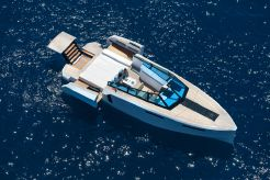 2020 Evo Yachts R4