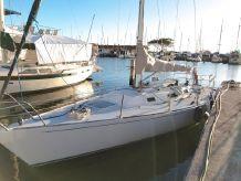 1989 J Boats 35 Masthead Sloop