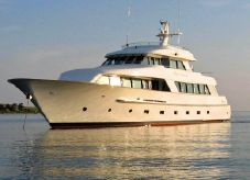 1996 Salthouse 105 Superyacht