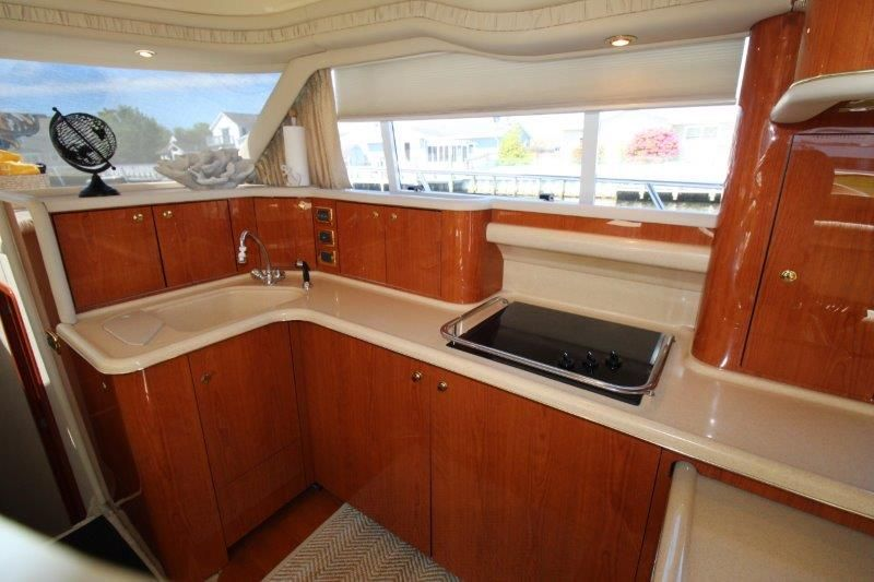 2001 Sea Ray 480 Sedan Bridge - Galley 2