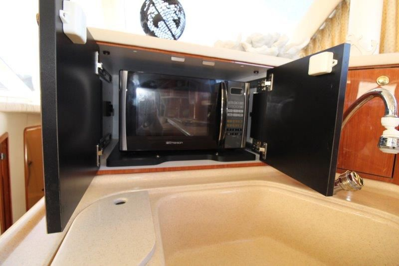 2001 Sea Ray 480 Sedan Bridge - Galley 3 - Microwave Oven