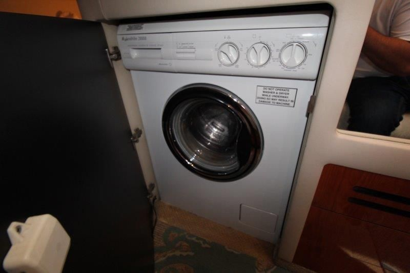 2001 Sea Ray 480 Sedan Bridge - Washer / Dryer Combo