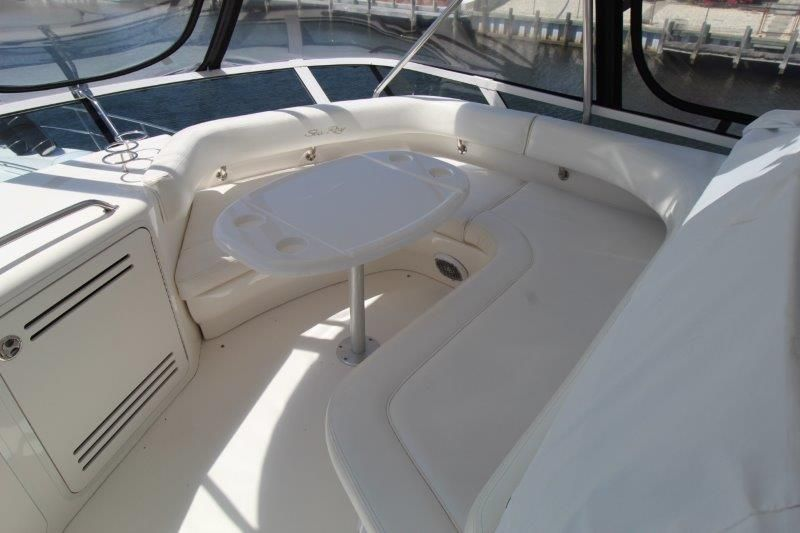 2001 Sea Ray 480 Sedan Bridge - Deck 2 - Flybrige Dinette