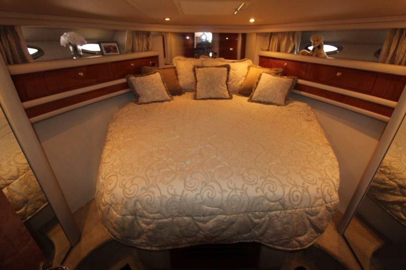 2001 Sea Ray 480 Sedan Bridge - Master Stateroom