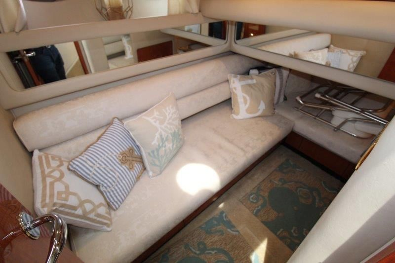 2001 Sea Ray 480 Sedan Bridge - Guest Stateroom