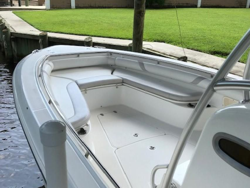 2006 Boston Whaler Outrage 320