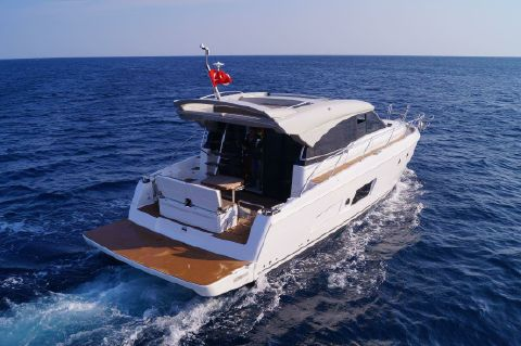 2019 Bavaria Virtess 420 Coupe - Manufacturer Provided Image: Bavaria Virtess 420 Coupe Stern