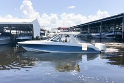 2020 Boston Whaler 380 EX