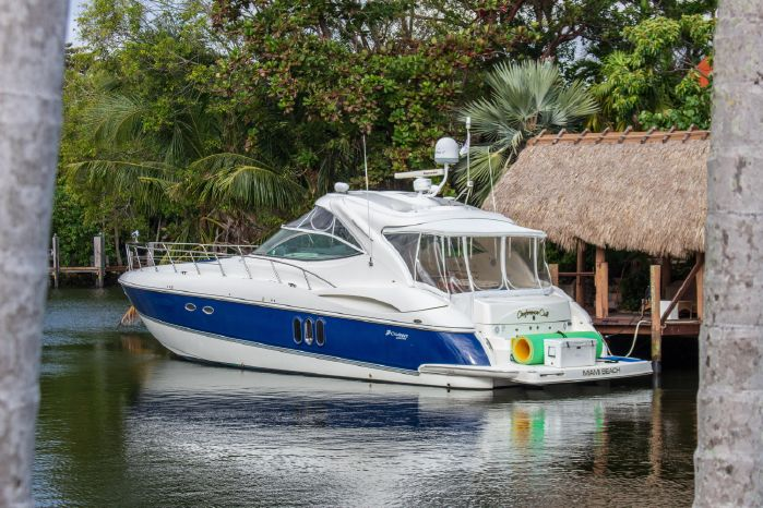 2005 Cruisers Yachts For Sale Maine
