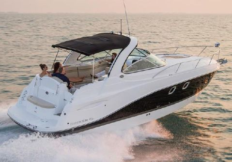 2015 Rinker 310 Express Cruiser