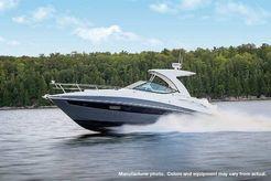2020 Cruisers Yachts 35EXPRESS