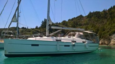 2013 Bavaria 36 Cruiser