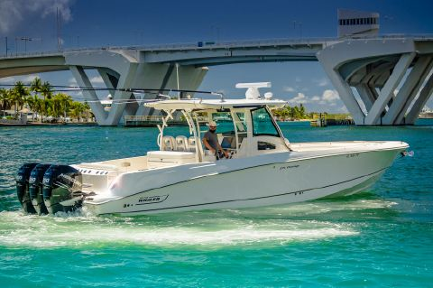 2014 Boston Whaler OUTRAGE - Starboard aft view