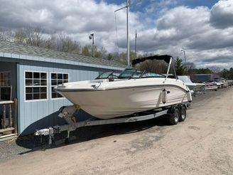 2019 Sea Ray SPX 230 OB