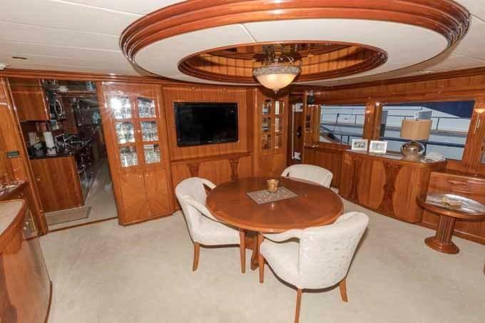 2005 Johnson BoatsalesListing Rhode Island