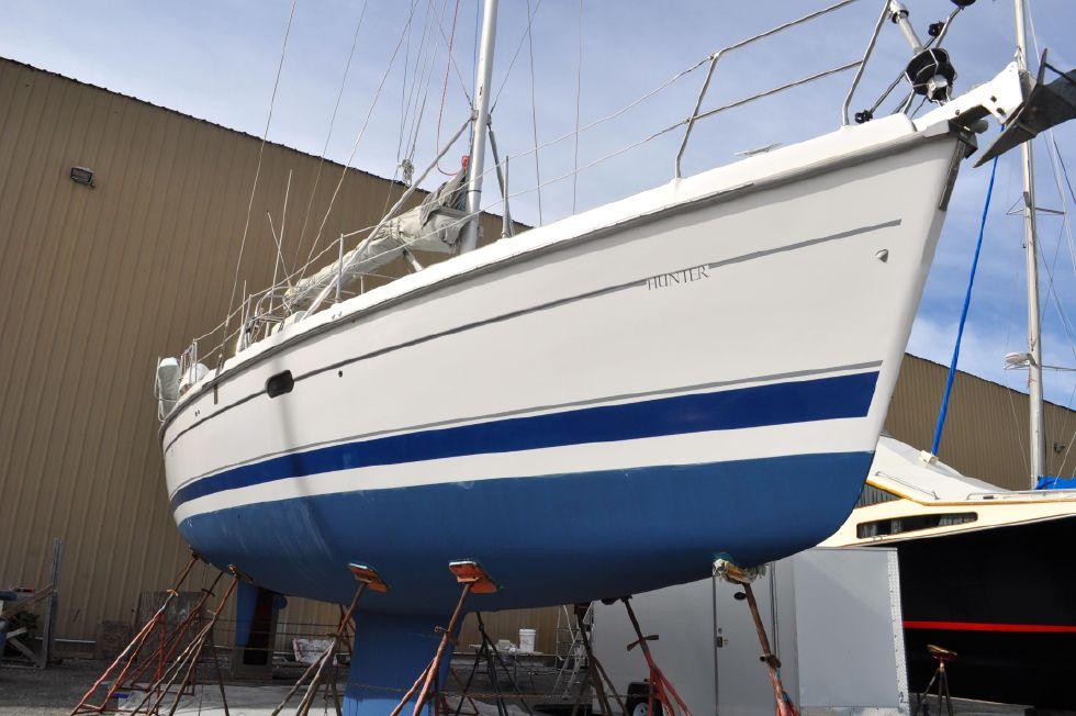 2001 Hunter Passage 450 45 Boats for Sale - Edwards Yacht Sales