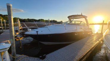 2019 Monterey 335 Sport Yacht