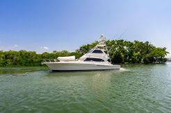 2006 Riviera ENCLOSED FLYBRIDGE