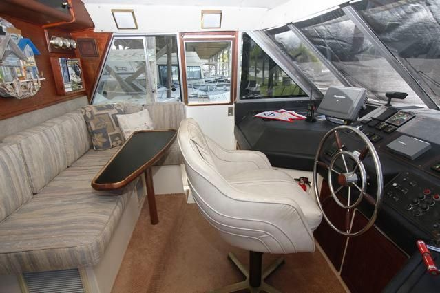 Pilothouse w/seating