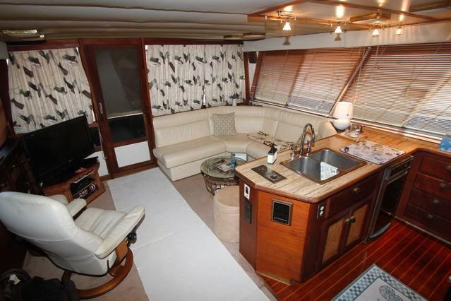 Galley to Salon looking aft