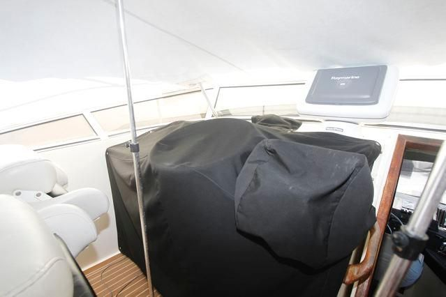 Covers over Flybridge Helm