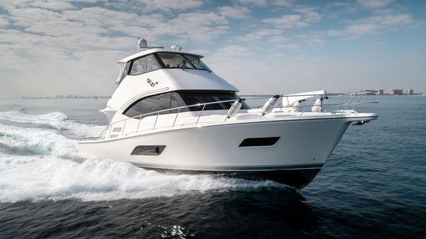 Riviera 50 Enclosed Bridge Profile Starboard Bow
