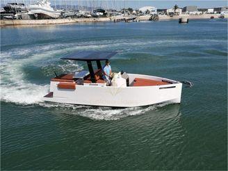 2013 De Antonio Yachts D23