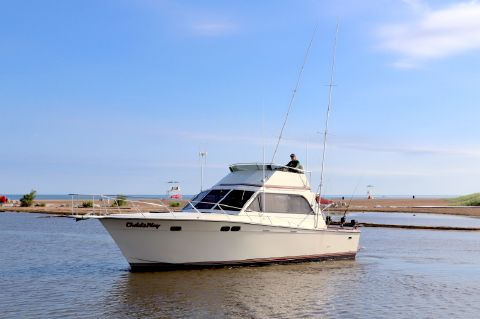 1980 Pacemaker 38 Sportfish Convertible
