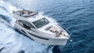 2018 Sealine F530