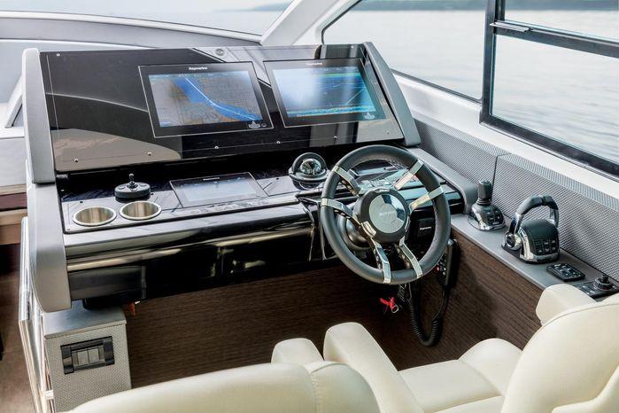 2019 Cruisers Yachts Buy Broker