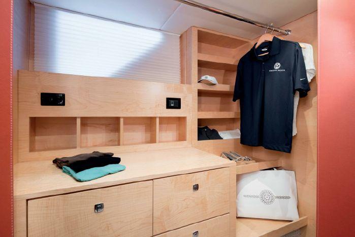 2019 Cruisers Yachts Buy Maine