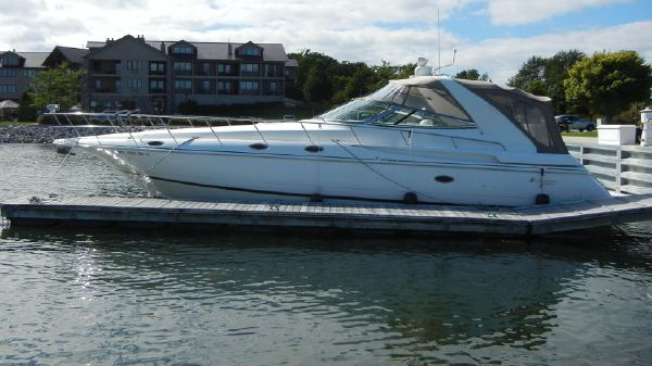 Cruisers Yachts 4270 Express Profile - Sister Ship