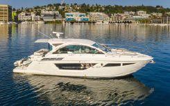 2019 Cruisers Yachts Cantius