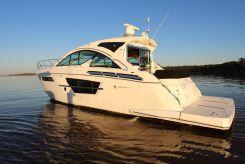 2018 Cruisers Yachts 54 Cantius