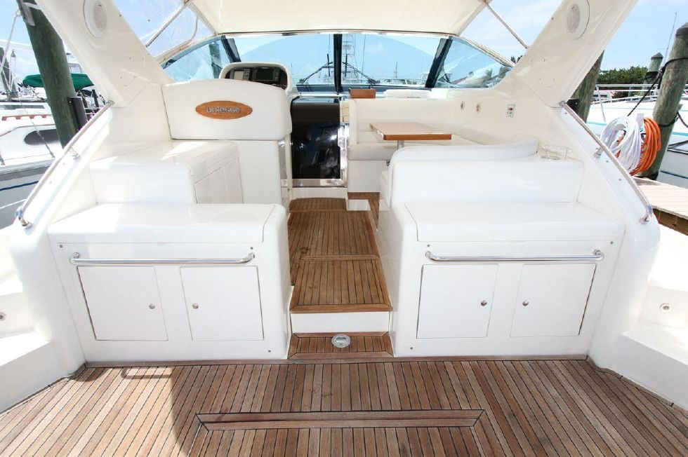 2000 Uniesse 42 Open - Cockpit