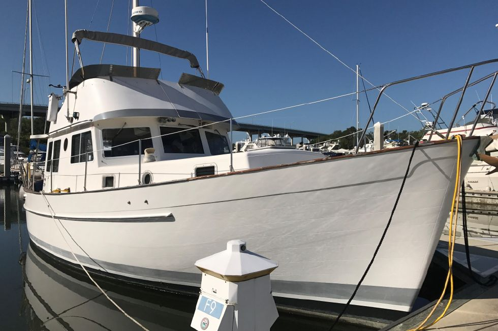 1981 Willard 40 Edwards Yacht Sales