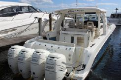 2018 Boston Whaler 420 Outrage