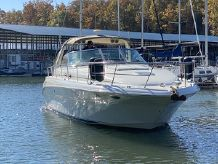 2001 Sea Ray 41 Express Cruiser