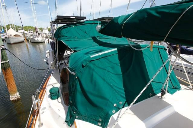 1979 Pearson 365 Sloop - Pearson 365 Canvas Covers