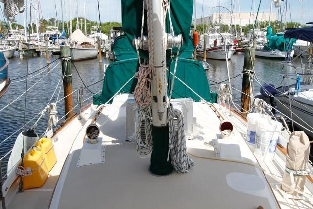 1979 Pearson 365 Sloop - Pearson 365 Deck, Running Rigging