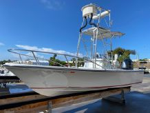 1974 Robalo 190 Center Console with Tower