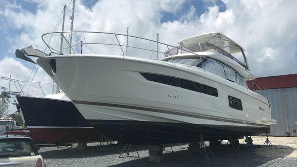 Prestige 550 Hardtop Fly Prestige 550 Chesapeake Yacht Center