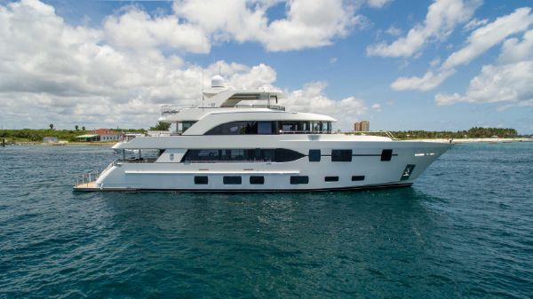 Ocean Alexander Tri Deck Motor Yacht The Rock