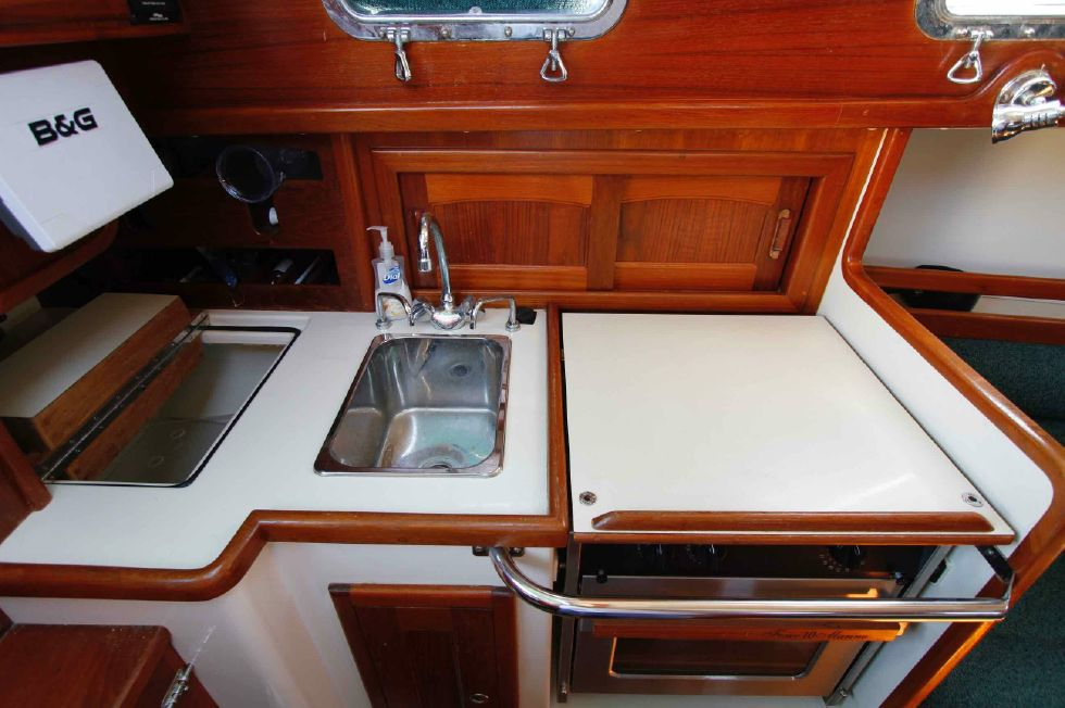 Pacific Seacraft Dana 24 Galley
