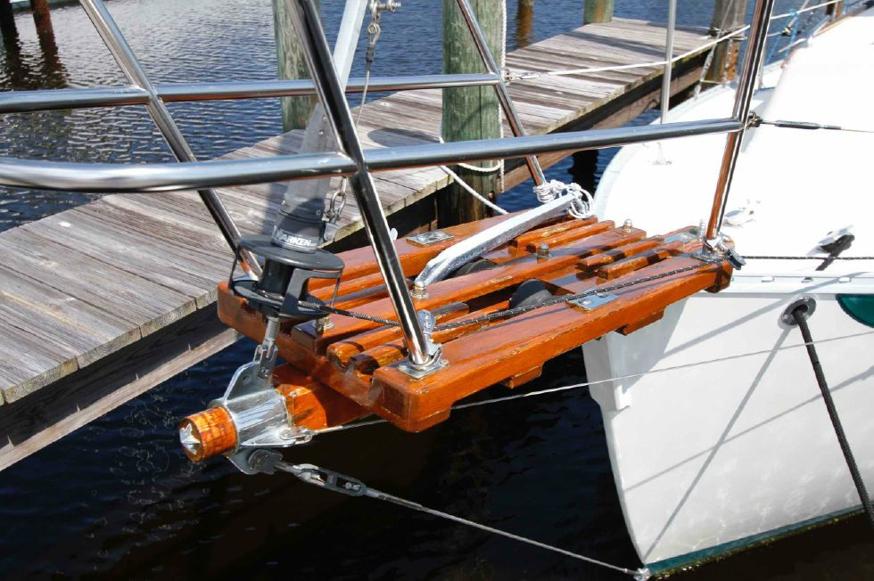 Pacific Seacraft Dana 24 Bow Sprit