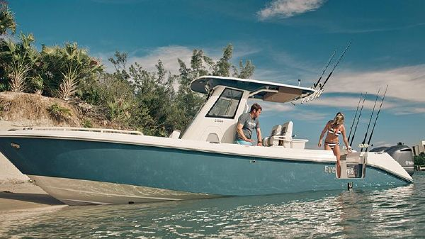 Everglades 295 Center Console Manufacturer Provided Image