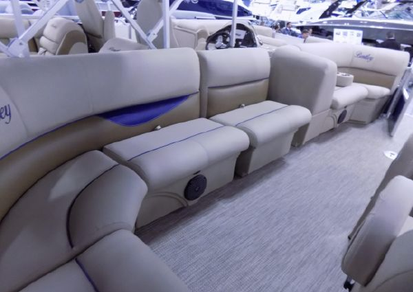 Bentley Pontoons 220/223 Cruise image
